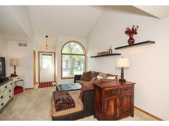 985 108th Avenue Nw, Coon Rapids, MN - USA (photo 5)