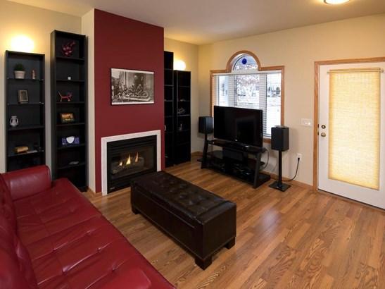 1264 Crystal Place E, Chaska, MN - USA (photo 5)