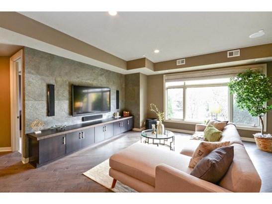 555 Oak Ridge Place #150, Hopkins, MN - USA (photo 2)