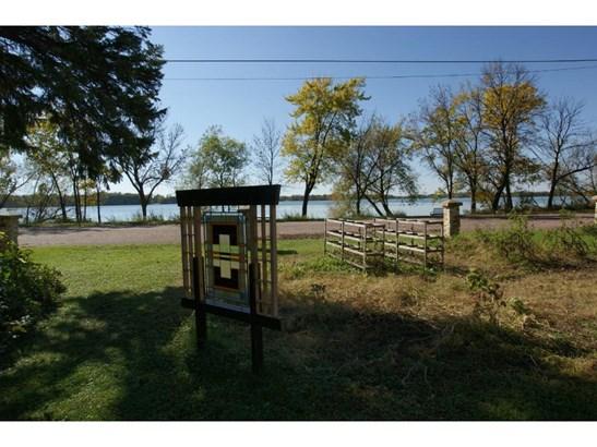 300 Lake Avenue S, Silver Lake, MN - USA (photo 3)