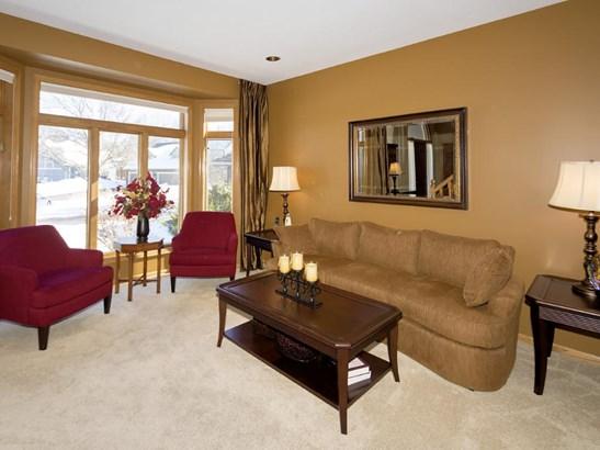 4047 Deerwood Place, Eagan, MN - USA (photo 3)