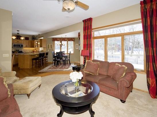 4047 Deerwood Place, Eagan, MN - USA (photo 5)