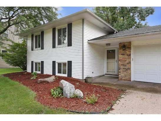 8648 Ironwood Avenue S, Cottage Grove, MN - USA (photo 1)