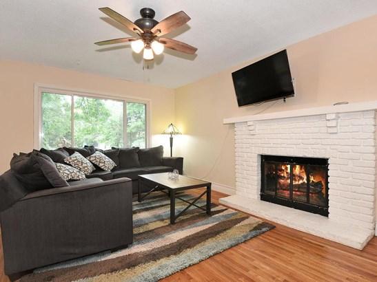8648 Ironwood Avenue S, Cottage Grove, MN - USA (photo 3)