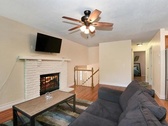 8648 Ironwood Avenue S, Cottage Grove, MN - USA (photo 4)