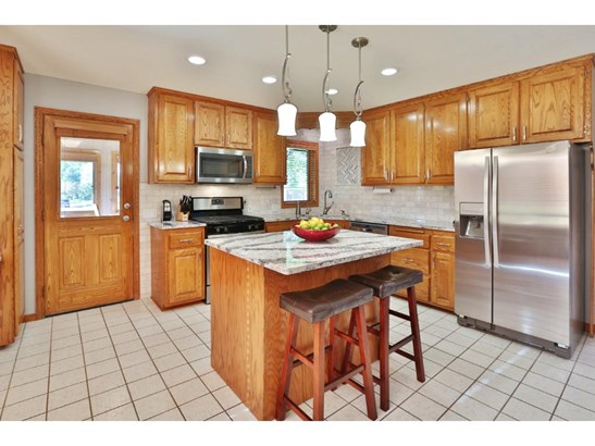 8944 Glen Edin Lane, Brooklyn Park, MN - USA (photo 4)