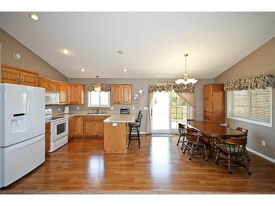 901 Cottonwood Avenue, Litchfield, MN - USA (photo 2)