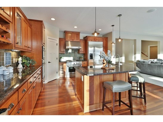 9989 Trails End Road, Chanhassen, MN - USA (photo 2)