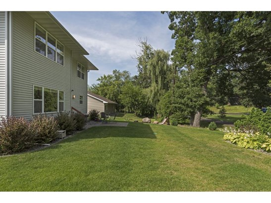 242 Jersey Avenue N, Golden Valley, MN - USA (photo 4)