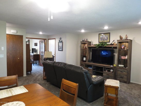 1007 W Depue Avenue W #101, Olivia, MN - USA (photo 5)