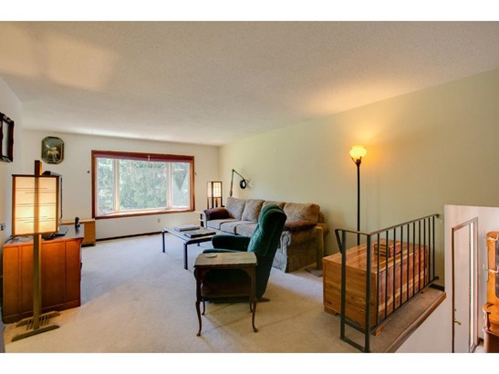 705 Arbogast Street, Shoreview, MN - USA (photo 4)