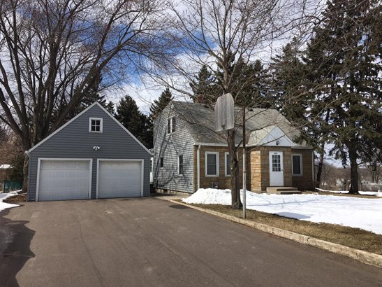 2251 Hendry Place, Maplewood, MN - USA (photo 1)