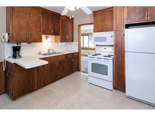 8225 Emerson Avenue S, Bloomington, MN - USA (photo 5)