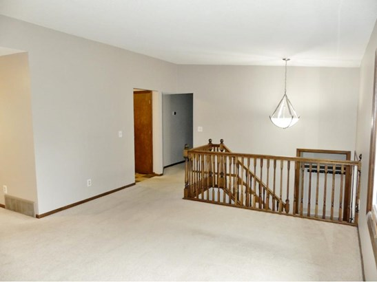 1817 Country View Drive, Burnsville, MN - USA (photo 2)
