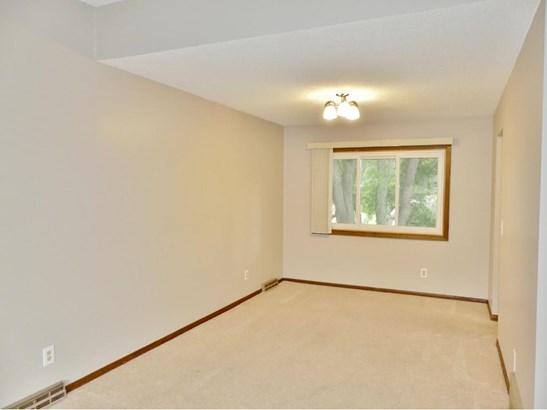 1817 Country View Drive, Burnsville, MN - USA (photo 4)