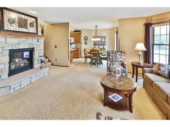 14726 Oak Run Lane, Burnsville, MN - USA (photo 2)