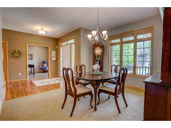 1292 Woodcrest Avenue, Shoreview, MN - USA (photo 3)