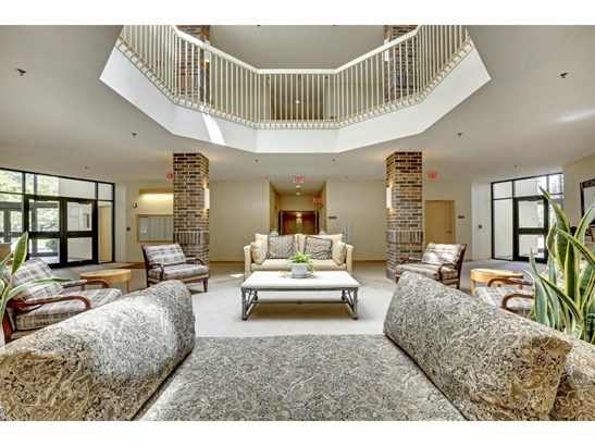 5555 Dewey Hill Road #308, Edina, MN - USA (photo 2)