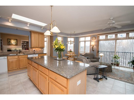 5555 Dewey Hill Road #308, Edina, MN - USA (photo 5)