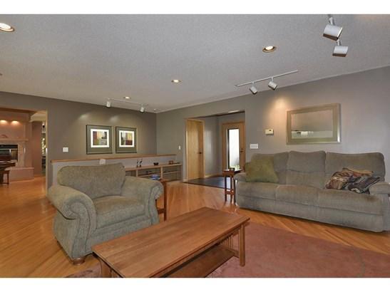 1567 Oak Avenue, Arden Hills, MN - USA (photo 5)