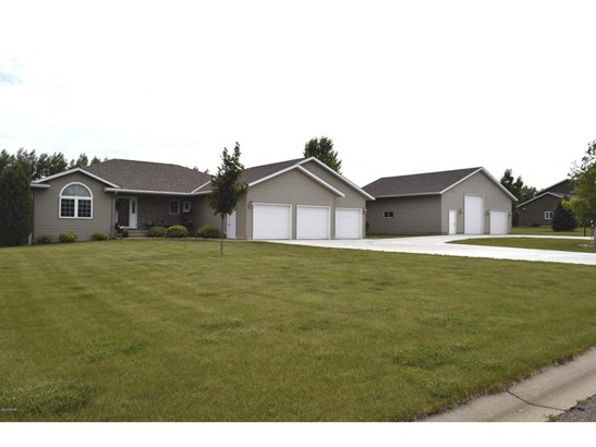 209 Prairieview Court, Marshall, MN - USA (photo 1)