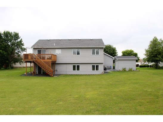 735 Shannon Lane, Belle Plaine, MN - USA (photo 2)