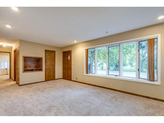 8101 Portland Avenue S, Bloomington, MN - USA (photo 3)