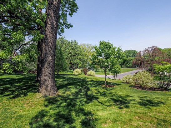 2706 Glenhurst Avenue, St. Louis Park, MN - USA (photo 2)