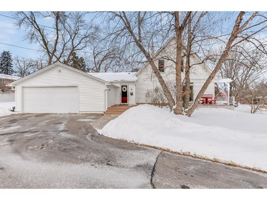 1121 Angelo Drive, Golden Valley, MN - USA (photo 2)