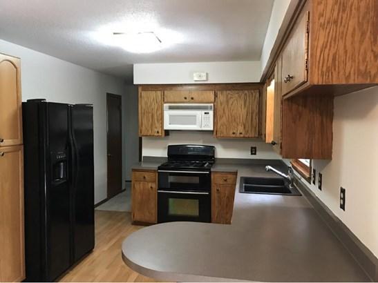 10629 Nesbitt Avenue S, Bloomington, MN - USA (photo 3)