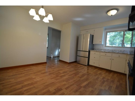 2931 Chowen Avenue N, Robbinsdale, MN - USA (photo 4)