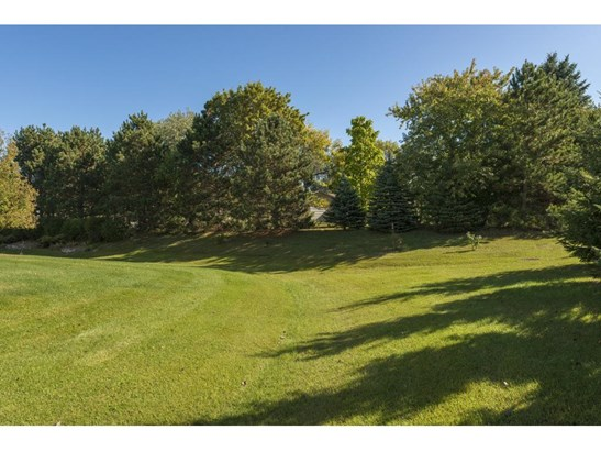 5890 Pond View Drive, Shoreview, MN - USA (photo 2)