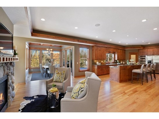 21085 Ridgewood Trail, Lakeville, MN - USA (photo 3)
