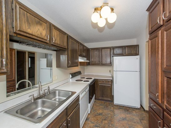 10559 Decatur Avenue S, Bloomington, MN - USA (photo 2)
