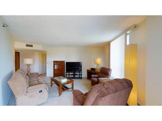 6615 Lake Shore Drive S #804, Richfield, MN - USA (photo 4)