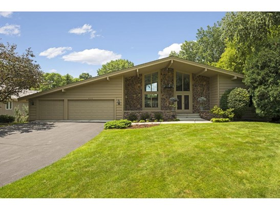 6715 Indian Hills Road, Edina, MN - USA (photo 1)