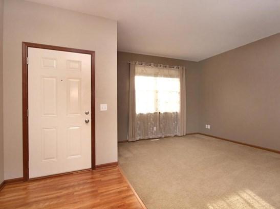 6820 Oakridge Court, Shakopee, MN - USA (photo 4)
