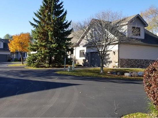 13532 Parkwood Drive, Burnsville, MN - USA (photo 3)