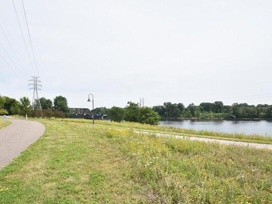 2323 River Pointe Lane, Minneapolis, MN - USA (photo 2)