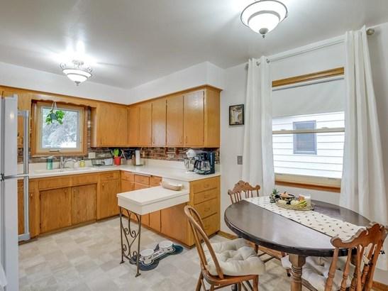 3904 Quail Avenue N, Robbinsdale, MN - USA (photo 4)