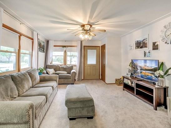 3904 Quail Avenue N, Robbinsdale, MN - USA (photo 5)