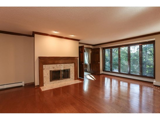 5501 Village Drive #104, Edina, MN - USA (photo 4)