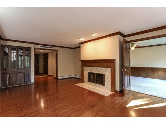 5501 Village Drive #104, Edina, MN - USA (photo 5)