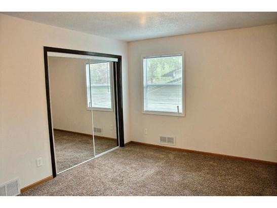 4418 Cavell Avenue N, New Hope, MN - USA (photo 5)