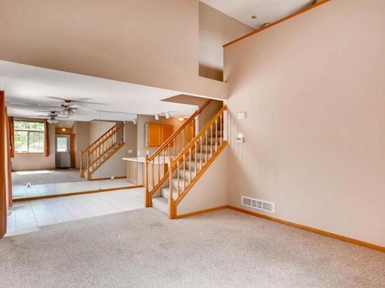 8475 Corcoran Circle #1, Inver Grove Heights, MN - USA (photo 2)