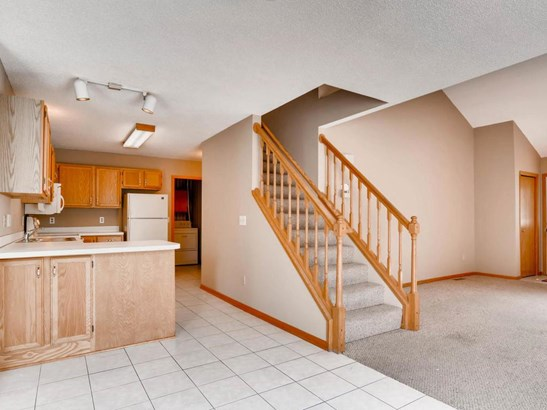 8475 Corcoran Circle #1, Inver Grove Heights, MN - USA (photo 4)
