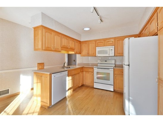 4917 W 96th Street, Bloomington, MN - USA (photo 5)
