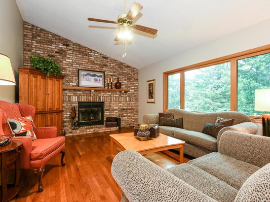 1863 Orchard Drive, Woodbury, MN - USA (photo 2)