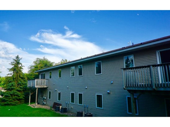 1140 Greenvale Avenue W, Northfield, MN - USA (photo 2)
