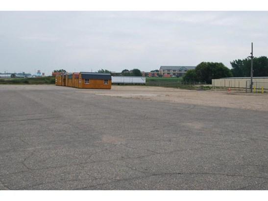 1702 E Hwy 12, Willmar, MN - USA (photo 1)